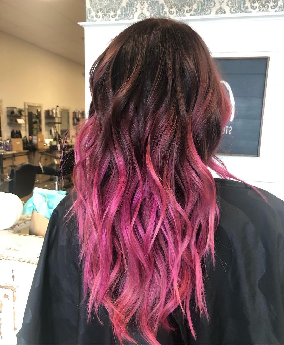 highlights hair brown dark caramel short pixie pink blonde shortpixiecuts cuts colored 2021 subtle colors ombre auburn
