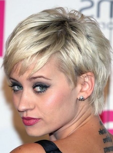 28 Short Pixie Cuts for Women Over 40 in 2020 - Short Pixie Cuts