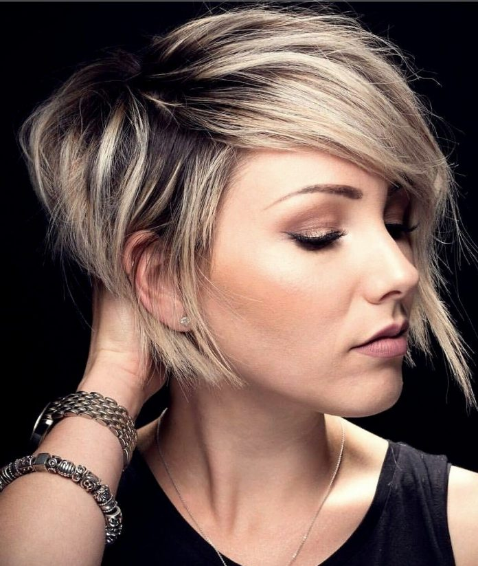 Stylish Short Haircuts for Women After 40