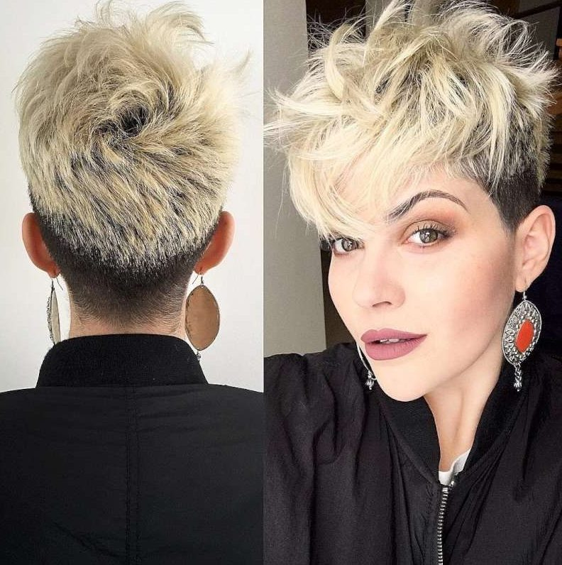 Strange 38 Short Pixie Haircuts For Thick Hair Get Your Inspiration For Natural Hairstyles Runnerswayorg